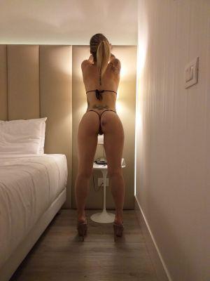 in hotel con amico
